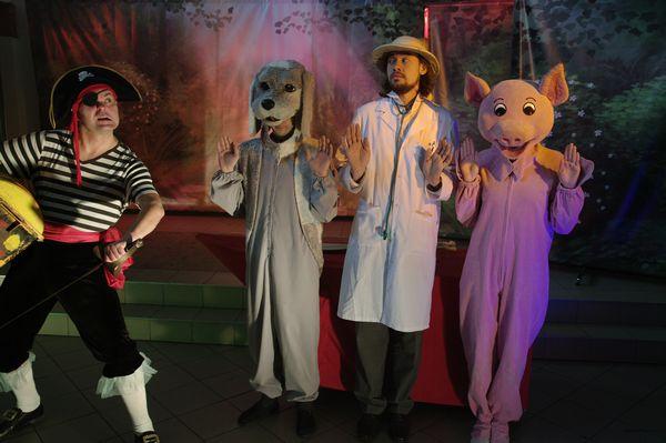 Znalezione obrazy dla zapytania Doktor i Jego zwierzęta narodowy teatr edukacji